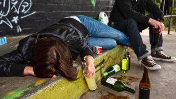 Stiai ca consumul de alcool in randul tinerilor este influentat de prietenii prietenilor?