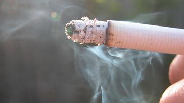 Cum sa iti feresti copiii de fumatul pasiv