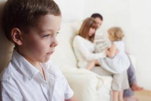 5 pasi pentru a reduce stresul ce duce la gelozie intre copii