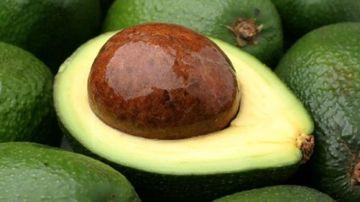 5 motive pentru care sa consumi avocado !