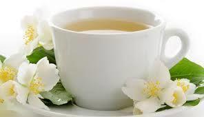 Ceaiul alb si hamamelisul reduc inflamatia si sprijina corpul in lupta impotriva cancerului
