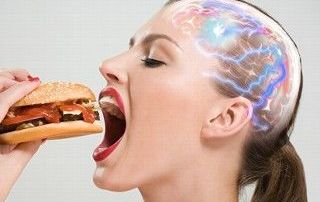 Junk food-ul schimba biochimia creierului si creeaza dependenta la fel ca si cocaina