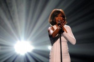 Whitney Houston, inca o victima a medicamentelor farmaceutice