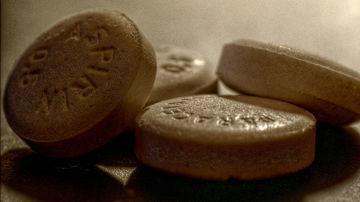 Aspirina: conexiuni mai putin cunoscute cu probleme medicale serioase