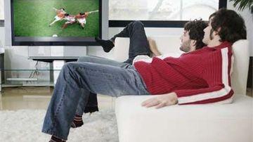 Privitul la TV duce la scaderea numarului de spermatozoizi