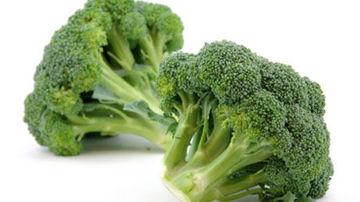 Savantii descopera mecanismul precis prin care broccoli si cruciferele lupta impotriva cancerelor letale