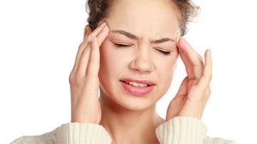 Elimina rapid durerile de cap cu aceste cinci ierburi de leac