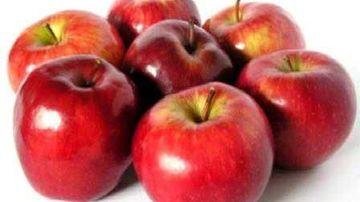 Un barbat a scapat de acnee cu post de trei zile, consumand doar mere