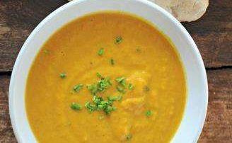 Supa energizanta de morcov cu ghimbir