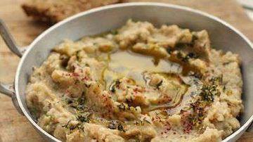Baba ganoush, o salata de vinete delicioasa