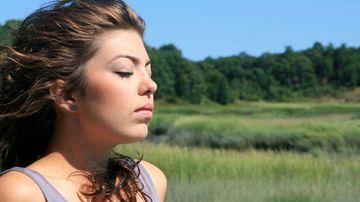 4 lucruri uimitoare despre care nu stiai ca le-ai putea face cu respiratia ta