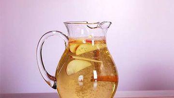 Apa cu mere si scortisoara
