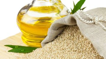 Tratamente naturale pentru infrumusetare folosind uleiul de susan