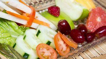 Purifica-ti corpul cu hrana vie (hrana cruda)