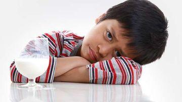 7 semne de intoleranta alimentara la copii