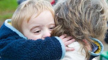 10 motive pentru care e bine sa primim cel putin 8 imbratisari in fiecare zi