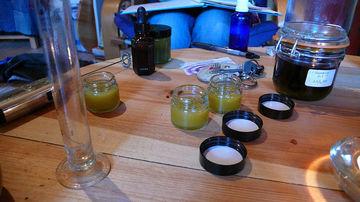 Invata sa faci tinctura de plante fara alcool