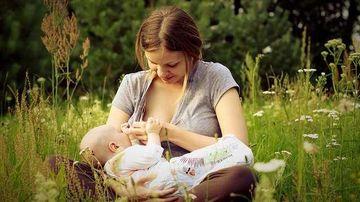 Prima noastra hrana vie: laptele matern