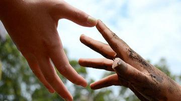 5 semne ca incerci prea mult sa le faci pe plac altora si cum sa schimbi acest lucru