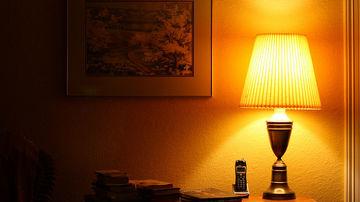 Expunerea la lumina in timpul noptii scade melatonina si creste riscul de cancer