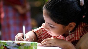8 moduri in care poti creste copii calmi, fericiti si sociabili