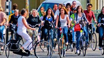 Mersul pe bicicleta poate salva lumea. Iata cum a fost implementat sistemul in cele mai ecologice orase din Europa