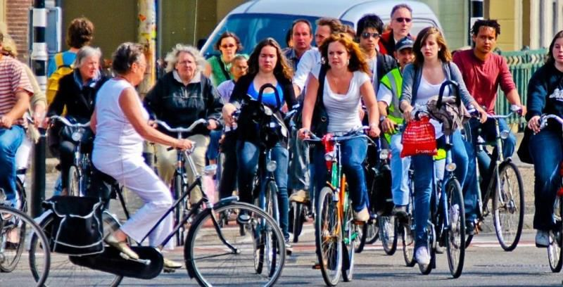 mersul pe bicicleta in Groningen, Olanda