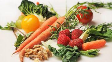 Studiu: vegetarienii prezinta un risc de cancer mai scazut cu 45%