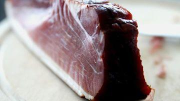 Iata la ce riscuri te supui atunci când consumi carne procesata din comert