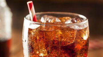 Consumul de bauturi carbogazoase sporeste riscul de atac cerebral si boli vasculare cu peste 40%