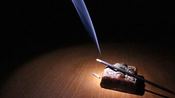 Cum iti poti curata casa de energii negative