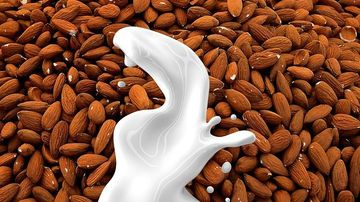 Laptele de migdale, o gustare delicioasa plina de nutrienti