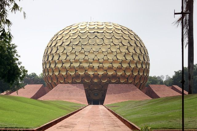 Auroville oras utopic