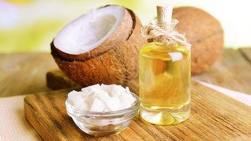 Cum sa-ti faci propriul gel de dus din ulei de cocos si miere