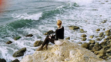 9 semne ca esti un introvertit autentic