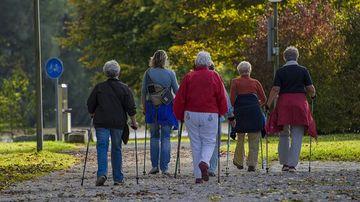 7 rezultate incredibile pe care le poti obtine cu doar 30 de minute de mers pe jos zilnic