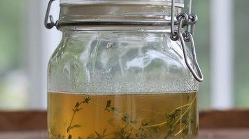 Afla cum sa faci miere infuzata cu ierburi aromatice sau condimente - reteta si sugestii de consum