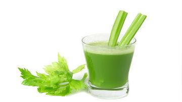 O cura cu suc de telina timp de o saptamana iti poate vindeca intestinele
