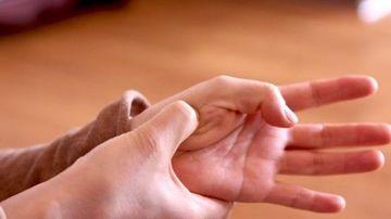5 puncte de presopunctura care te pot ajuta sa atenuezi simptomele de stres si anxietate in mai putin de 3 minute