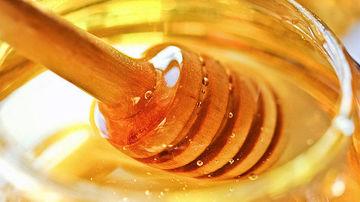 Ce intrebari sa le adresati producatorilor atunci cand vreti sa cumparati miere.