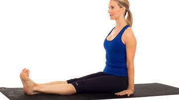 Trei pozitii simple de yoga ce te ajuta sa te relaxezi si sa pierzi in greutate