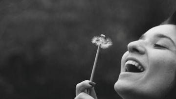 4 afirmatii pentru a atrage dragoste si fericire in viata ta