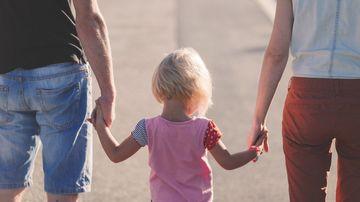 10 sfaturi pentru a creste un copil cu respect de sine si curaj