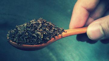 Chimenul-comoara din camara: 13 beneficii pentru sanatate