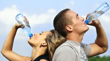 Ce se intampla daca bei numai apa timp de 30 de zile