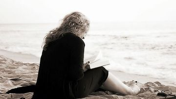 10 motive pentru care ar trebui sa citesti zilnic