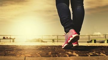 10 moduri in care o plimbare zilnica iti poate schimba corpul si mintea