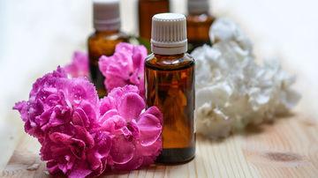 9 uleiuri esentiale cu proprietati vindecatoare pe care e bine sa le ai in casa