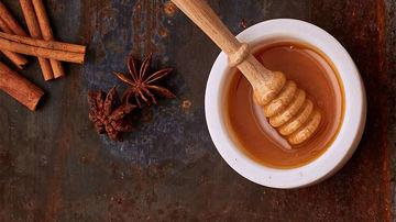 Ce e adevărat şi ce nu din tot ce se spune despre mierea de Manuka?