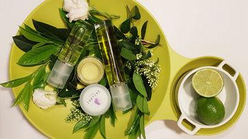 Invitație în lumea cosmeticelor cu uleiuri esențiale…